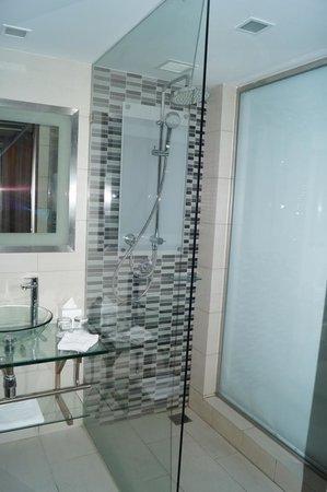 Novotel Bangkok IMPACT: bathroom