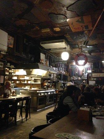 Bierhandel De Pijp: Dining room and kitchen
