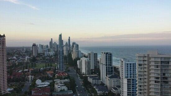 ULTIQA Beach Haven on Broadbeach: surfers paradise view