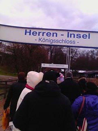Chiemsee Schifffahrt: arrivo all' Herreninsel