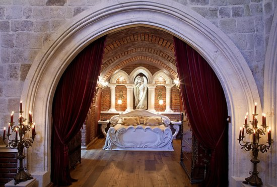 Sacred House : SANCTUARY bedroom