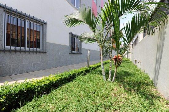 Inn Luanda: Jardim