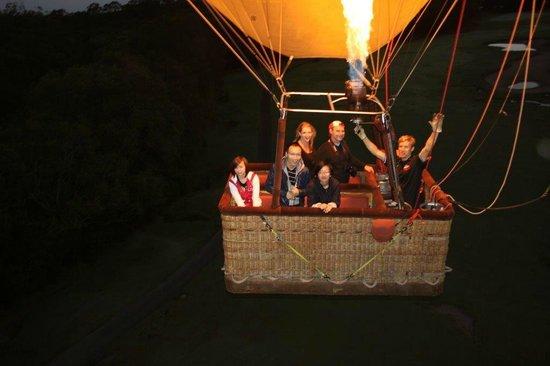 Balloon Aloft Gold Coast: Romantic Balloon Ride GC Hinterland