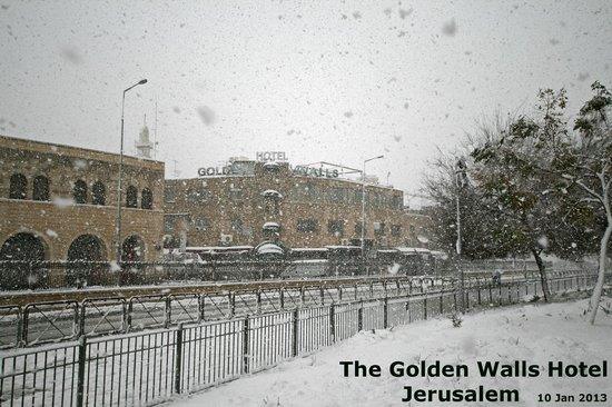 Golden Walls Hotel: snow 2013