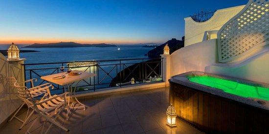 Villa Renos : Balcony of a deluxe room