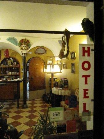 Albergo Casa Peron: casa peron albergo vista interna1