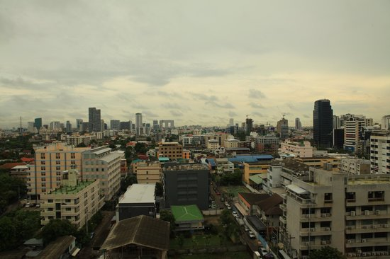 Chaophya Park Hotel: Nice view from room