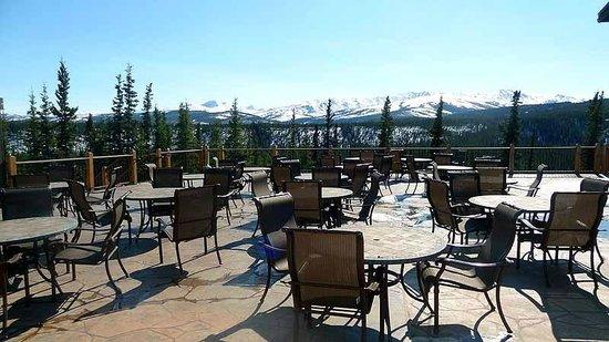 Denali Princess Wilderness Lodge: Terrace