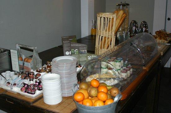 Hotel La Licorne : petit déjeuner