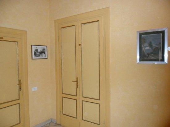 Hotel Fiorita: puerta habitación Nº 11