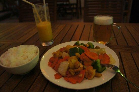 Laugh Cafe Restaurant: креветки с кешью