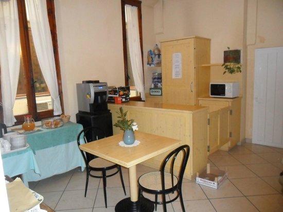 Hotel Fiorita: salita de cefé y té