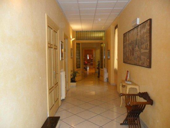 Hotel Fiorita: pasillo