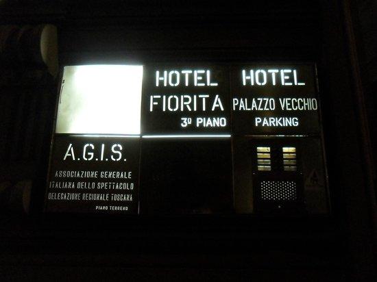 Hotel Fiorita: cartel de la entrada