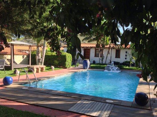 Hotelito El Tejado : Vistas del Jardín
