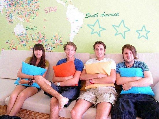 Colorful Taiwan Hostel: 在這邊還可以跟外國人交流英文喔