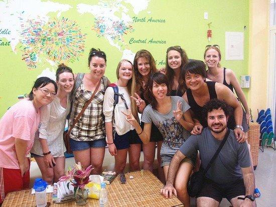 Colorful Taiwan Hostel: 旅遊旺季幸運的話可以同時巧遇超多來自不同國家的人!