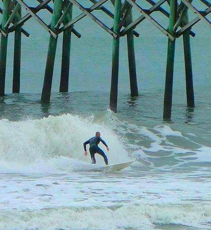Surf City Pier: surfing next to pier