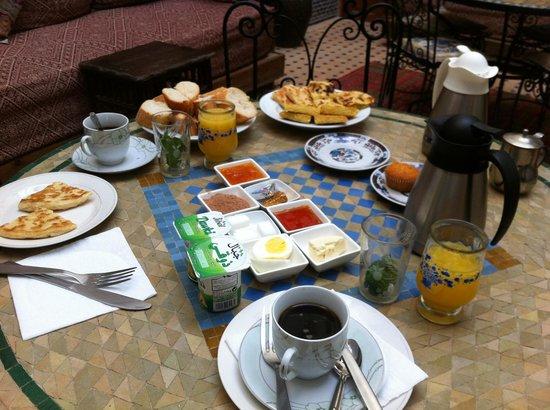 Riad al akhawaine: colazione