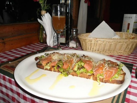 Da Alessandro Pizza & Pasta: Bruschetta al Salmone Ahumado.