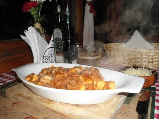 Da Alessandro Pizza & Pasta: Gnocchi al Ragú.
