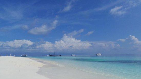 Velassaru Maldives: beach