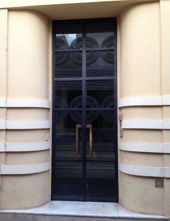Institut de Francais: Discovered this wonderful Art Deco door in Villefrache while attending the Institut de Français.