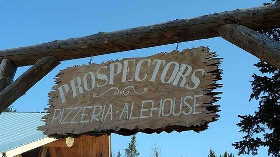 Prospectors Pizzeria & Alehouse: A little backyard
