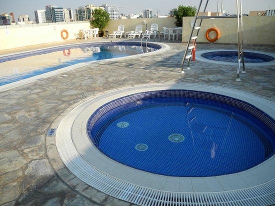 Akas-Inn Hotel Apartment : pools
