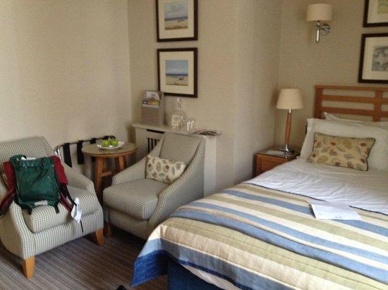 Braye Beach Hotel: Room