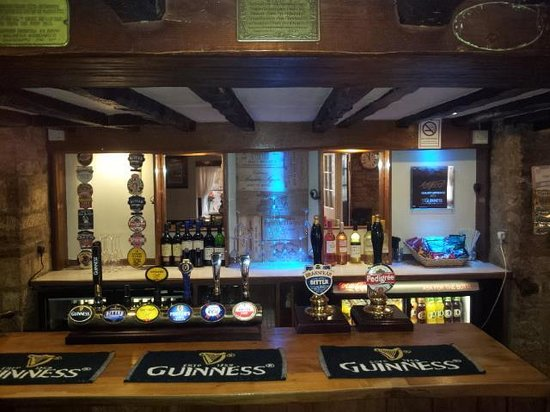 The Oxfordshire Yeoman: a great choice of real ales, larger and wine
