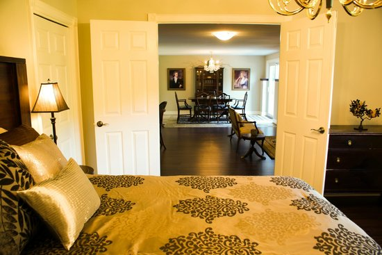 Panache Bed and Breakfast : The spacious Regent