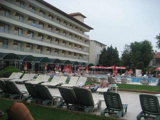 L'Etoile Hotel: VUE DE L4HOTEL