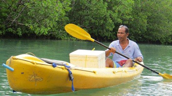 Koh Yao Yai: Canoe with Mr Cocoman