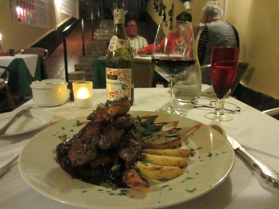 The New Rustico Maspalomas : I guarantee the taste, both of the filet and wine.