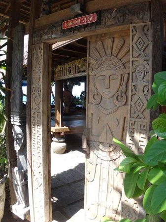 Hotel Amed Cafe: Вход в массажный салон на пляже