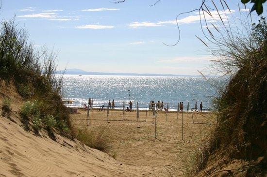 Bella Italia & EFA Village: La spiaggia