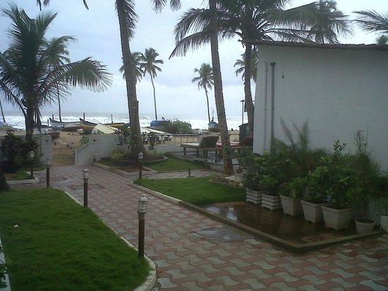 Lucky Star Hotel: Beach Area
