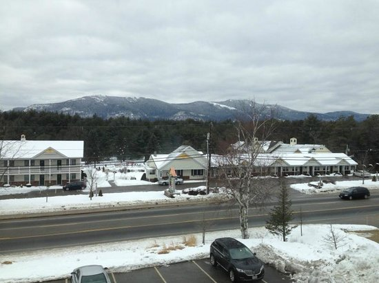 Residence Inn North Conway: View of Mountains from my room
