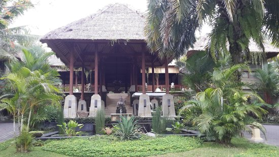 The Ubud Village Resort & Spa: View of the Lobby