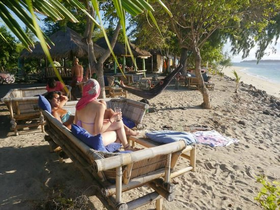 Bintang Beach Bungalows: quite sunny days at the beach