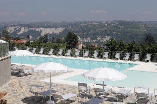 B&B I Perticali : panorama dalla piscina