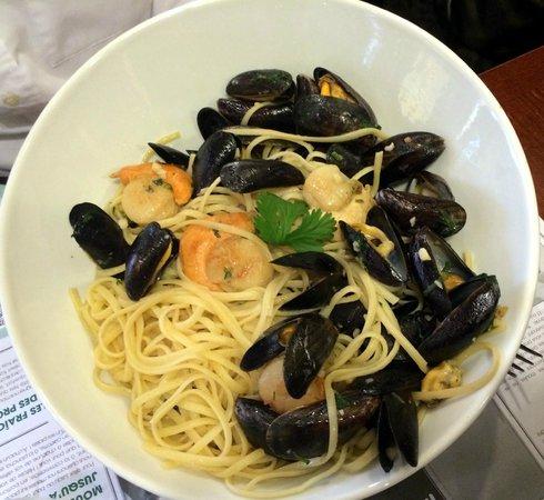 Leon de Bruxelles: wok moules saint jacques de noel
