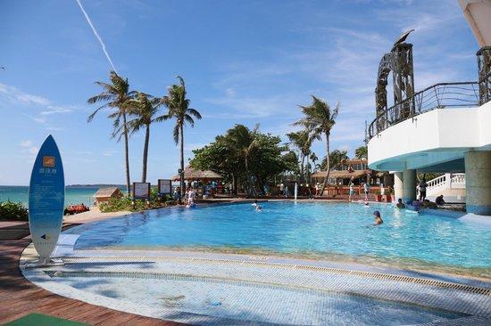 Chateau Beach Resort: 游泳池