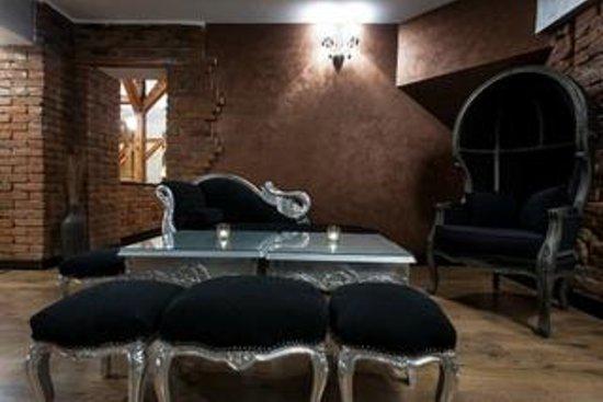 Bacchus Bistro Chic: Baroque Room