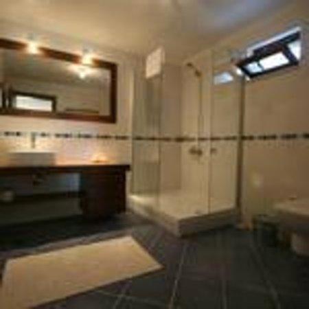 Zephyros Hotel: bathroom