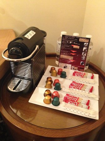 Hotel Ryumeikan Tokyo: Nespresso.. daily refill 4 types for three persons