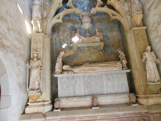 Reial Monestir de Santa Maria de Pedralbes : tomba Regina Elisenda