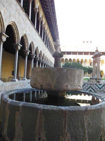 Reial Monestir de Santa Maria de Pedralbes : la fontana dove le monache si lavavano le mani