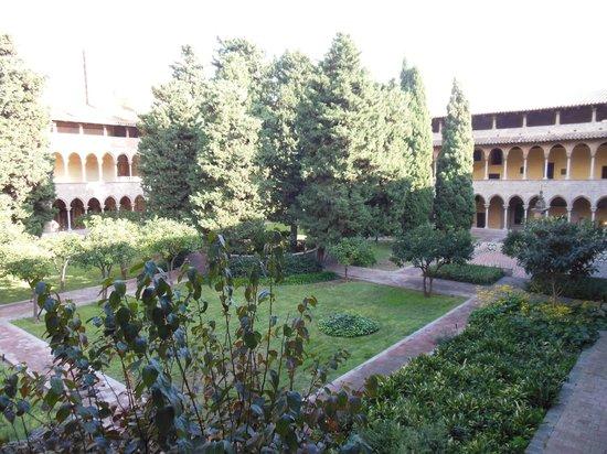 Reial Monestir de Santa Maria de Pedralbes : giardino